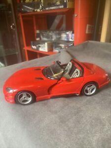 BURAGO 1:18 DODGE VIPER RT10 DIE CAST MODEL AMERICAN MUSCLE CAR
