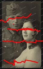 Foto-AK-Studio-Portrait-Soldat-Nackte-Frau-Spass-Foto-Nude-Girl-Bordell ?
