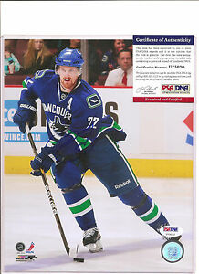 Daniel Sedin Signed 8x10 Photo Vancouver Canucks PSA DNA COA PROOF b