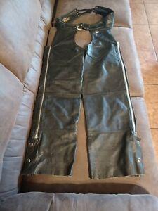 Harley Davidson Chaps, Womens Small black leather USA