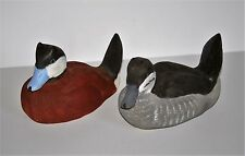 PAIR OF RUDDY DUCK DECOYS CRAFTED BY WAYNE BOBLENZ ( MARION, OH. ) - ESTATE FIND