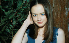 ALEXIS BLEDEL 8x10 PICTURE PHOTO RORY GILMORE GIRLS