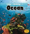 Is It Living or Nonliving?: Living and Nonliving in the Ocean by Rebecca...