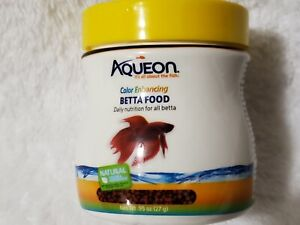 Aqueon Color Enhancing Betta Food 0.95 oz (27 g)  Exp Dec 2022