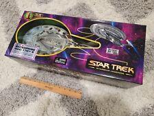 RARE 2005 Star Trek Battle Damaged Enterprise E Diamond Select Starship Legends