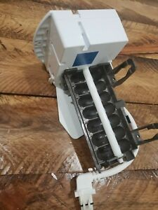 WR30X28704 electro-mechanical genuine GE OEM icemaker / makes 7 cube / CAN01-019