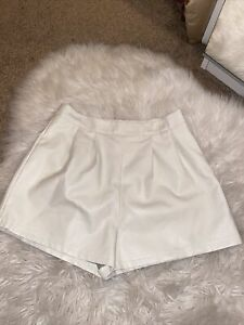 BNWOT Matalan Papaya Black Leather Look Faux Coated Shorts Size 12//14//16,18or 20
