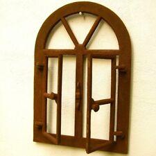 Eisenfenster, Sprossenfenster, oben mit Rundbogen, Stallfenster, Fenster