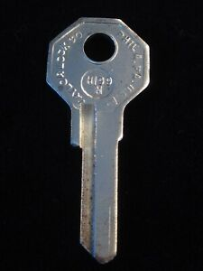 H199N RENAULT DAUPHINE DOMAINE FREGATE Secondary Key Blank Trunk 1950's-1960's