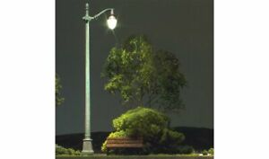 Woodland Scenics ~ N Scale ~ Arch Cast Iron Street Light ~ Pack of 3 ~ JP5639
