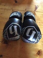 Ricky Hatton Boxing Gloves 16oz