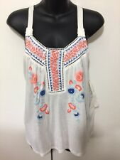 NWT Juniors Taylor & Sage White Sleeveless Top Blouse With Design Size Small