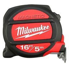 Mètres Milwaukee à ruban et règles pour le bricolage
