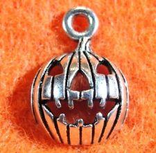 """50Pcs. WHOLESALE Tibetan Silver  """"Jack O Lantern"""" Halloween Pumpkin Charms Q0332"""