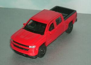 1/48 Scale 2017 Chevy Silverado Z71 Crew Cab Diecast Pickup - Welly 43750 Red