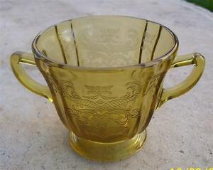 AMBER DEPRESSION GLASS CRESTED PATTERN TWIN HANDLED OPEN SUGAR BOWL