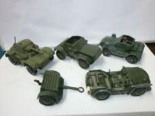 Konvolut 5 alte Dinky Toys Metallguss Militärfahrzeuge Panzerwagen Jeep Hänger