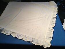 Jolie housse d'édredon volantée ancienne en coton bien blanc ...