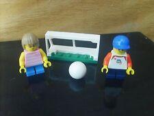 Minifigures LEGO CITY: minifigs 2 ENFANTS JOUANT AU FOOT - Lot COMME NEUF