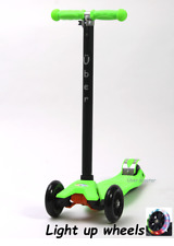 Maxi Scooter (Maxi/micro style) LIGHT UP WHEELS GREEN Boxed Tilt n Turn 4-12yrs