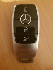 USED MERCEDES BENZ 3 BUTTON KEYLESS CAR KEY IN WORKING ORDER (REF 393/4)