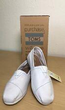 NEW Toms Classic White Canvas Size 9.5 Men's