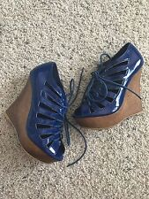Women's Fahrenheit Lace Up Patent Leather Wedges Size 5 1/2 Blue New No Box