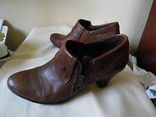 Born Hand Crafted Leather Upper & Linings Brown High Heels/Booties Size 7