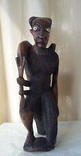 Afrique statue sculpture chasseur en bois