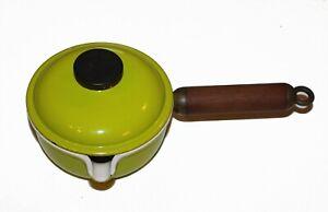 Casserole à bec vert anis manche en bois Le Creuset avec couvercle 14 cm vintage