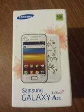 Teléfonos móviles libres Samsung color principal blanco con conexión Wi-Fi