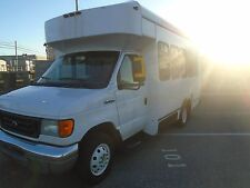 2006 FORD E350 DIESEL SHUTTLE BUS WITH WHEEL CHAIR LIFT  NON CDL RUNS GREAT