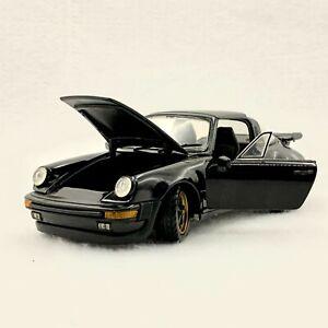 FRANKLIN MINT BLACK 1988 Porsche 911 Carrera Targa, 1:24 scale
