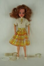 Pedigree SINDY auburn LOVELY LIVELY doll with outfit 1976 70's
