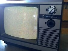 Vintage General Electric Television Model 13BC5504W     1984