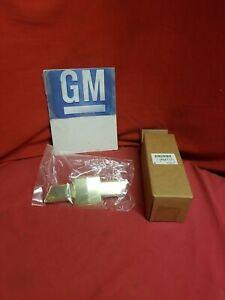 NOS GM Chevrolet Trailblazer Colorado Gold Bow Tie Grille Emblem  10357171
