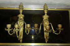 Paire d'applique 3 feux en bronze portrait en médaillon type Louis XVI