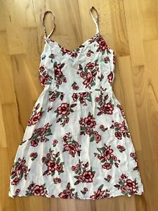Neu H&M Divided Träger Kleid Kurz Sommer Hibiskus Blumen Muster Weiß Rosa Rot 38
