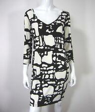 TORI RICHARD HONOLULU SLEEVELESS V NECK DRESS SIZE S SMALL BLACK WHITE Printed