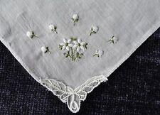 Vintage Embroidered White Daisey Hankie Handkerchief