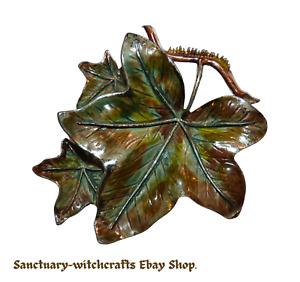 Vintage Ivy Leaf / Leaves Brooch by Exquisite. 1950s. Leaf Series.