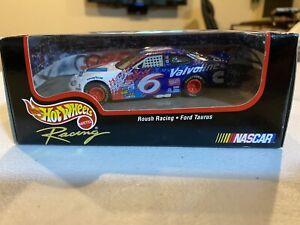 NIB - NASCAR Mark Martin 1999 Valvoline Hot Wheels 1/43 Diecast