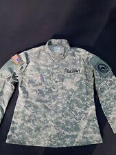 US ARMY Uniform ACU Combat Field Jacket Hemd Medium Regular Fast Neuwertig !