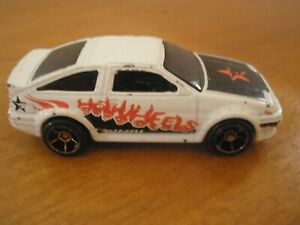 Hot Wheels - Toyota Corolla AE-86 White - First Edition Gold Wheels - 2006