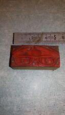"""Ancienne plaque imprimerie sur bois """"une paire de lunette"""""""
