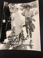 """Olivia Newton-John VINTAGE PRESS PHOTO 7 x 9"""" 1984"""