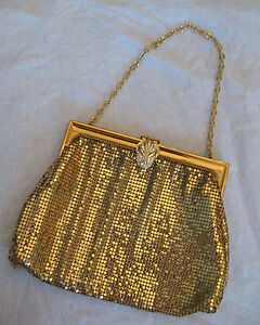 Midcentury Whiting and Davis NY Retro Antiquated Gold Brass Tone Metal Mesh Small Evening Handbag Purse 50s
