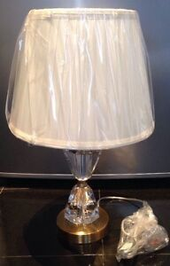LUXURY PREMIUM CRYSTAL GLASS - CREAM  PLEATED LAMP -SHADE - BEDSIDE LOUNGE -NEW