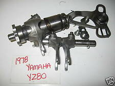 1978 YAMAHA 78 YZ80 YZ 80 YZ80E 2J5 - GEARSHIFT GEAR SHIFT CAM DRUM AND FORKS