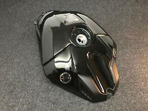 Yamaha R1 R1M RN65 Benzintank fuel gas petrol Kraftstofftank 2020 2021 RN49
